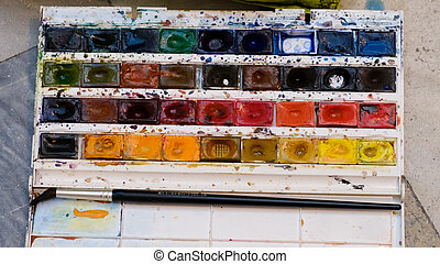 box of gouache in the form of all colors of the rainbow