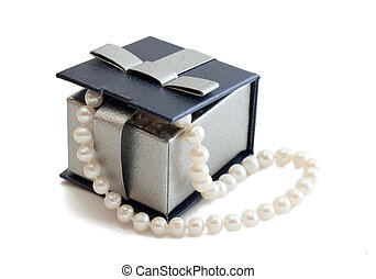 Box with pearls