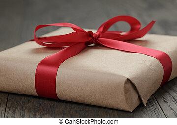 boxas, brun, julgåva