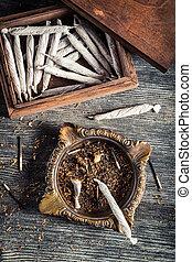 boxas, gammal, askkopp, trä, cigarretter, tändare