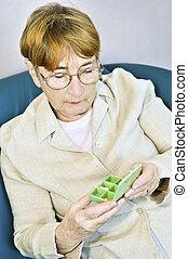 boxas, kvinna, pill, äldre