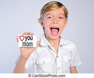 boy say love mom