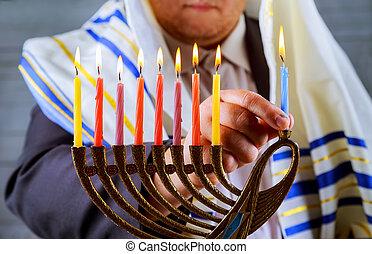 brûlé, hanukkah, bougies, juif, arrière-plan., menorah, celebration., homme