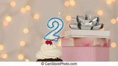 brûlé, sommet, nombre, anniversaire, 2, gâteau, bougie