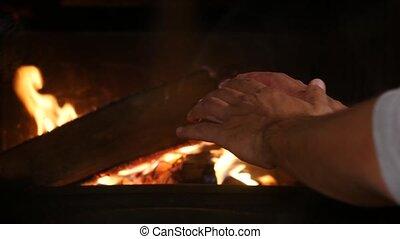 brûler, débuts, cheminée, homme