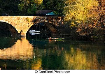 brücke, gewölbt, montenegro, reflektiert, fluß, crnojevica