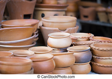 Brązowy, handmade, garnki, ceramika, glina.