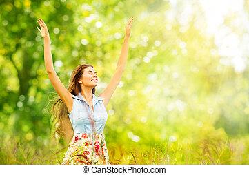 braços, mulher, feliz, verde, menina, retrato, cima, jovem, verão, bonito, levantado, parque, nature., ao ar livre