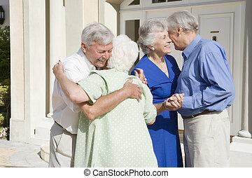 braccia, due coppie, altro, ciascuno, anziano, aperto, augurio