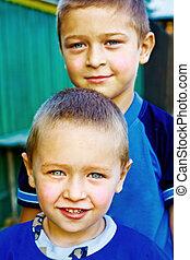 bracia, -, dwa chłopca, przyjaciele, albo, szczęśliwy