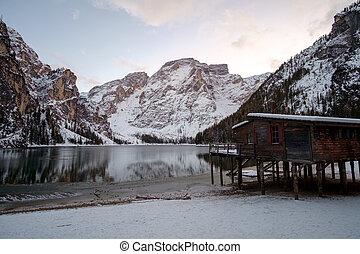 braies, paisagem inverno, lago
