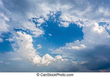 branca, macio, nuvens, em, a, céu azul