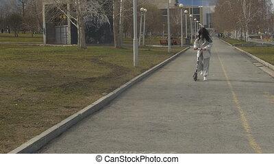 branché, équitation, scooter, femme
