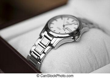 wrist watch - Brand new metal wrist watch in box