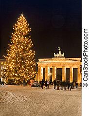 brandenburg gate christmas