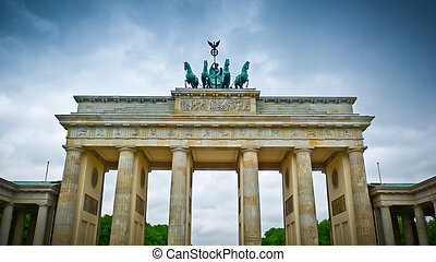 Brandenburg gate (Brandenburger Tor) in Pariser Platz, Berlin, Germany