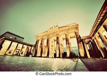 brandenburg, ouderwetse , duitsland, poort, berlin, night., retro