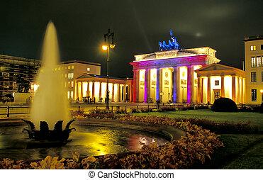 Berlin?s famous landmark Brandenburger Tor illuminated at night