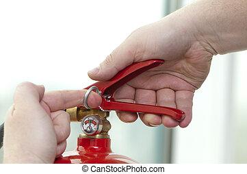 brandsläckare, trycker på, starta, hand