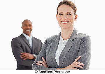 bras croisés, femme affaires, homme, sourire