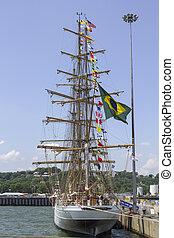brasileño, barco alto, cisne, branco