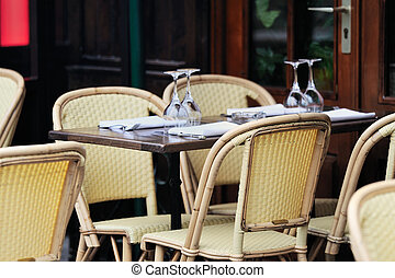 Brasserie - Table appointments in the bistro street