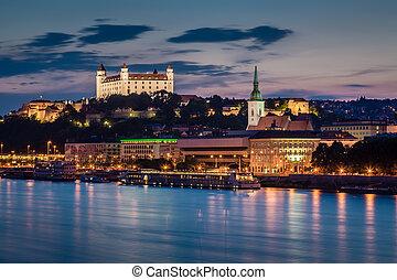 bratislava, aftenen, slovakia., udsigter