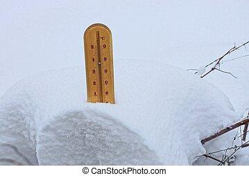 brauner, hölzern, thermometer, in, der, schneewehe, von,...