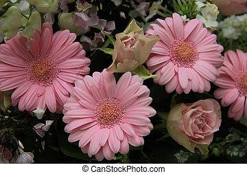 pastell braut blumen schatten pastell rosen wedding anordnung. Black Bedroom Furniture Sets. Home Design Ideas