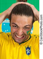 braziliaans, sporten aanhanger, in wanhopen