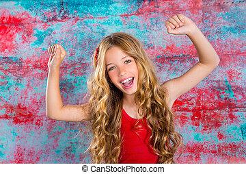 brazos up, rubio, niña, niños, rojo, feliz