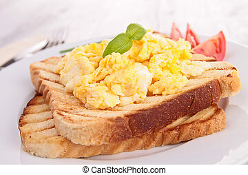 bread toast with scrambled egg