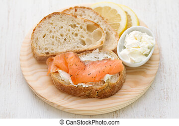 bread with cheese and smoked salmon