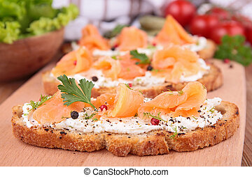 bread with salmon