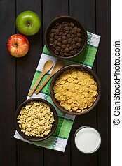 Breakfast Cereals with Milk and Apples