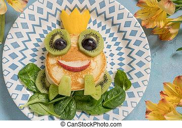 Breakfast for kids - frog prince pancake