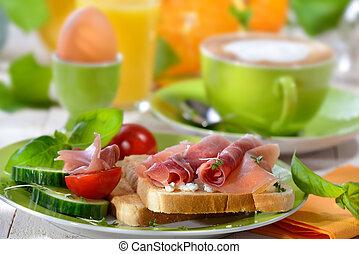 Breakfast with ham