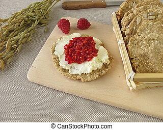 Breakfast with oats crispbread