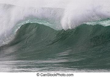 Breaking green wave detail