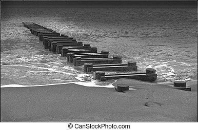 breakwater-black, y, blanco, imagen