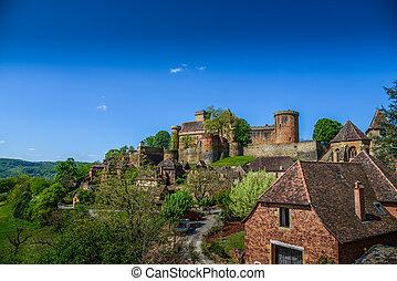 Bretenoux Castelnau medieval castle, lot, quercy, dordogne france