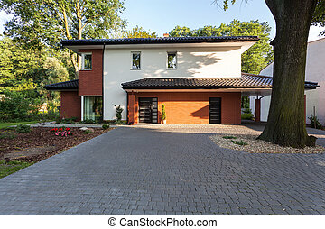 Brick residence - A big city residence covered in bricks