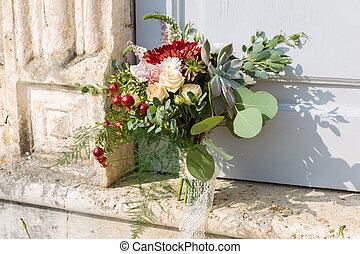 bridal bouquet with succulent - bridal bouquet disheveled...
