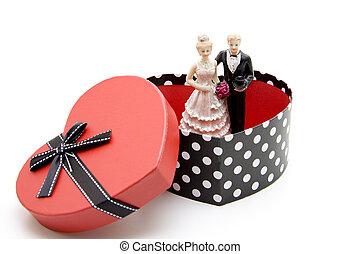 Bridal pair in Heart