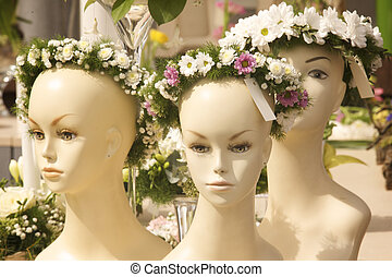 Bridal wreath presented on a female mannequin head