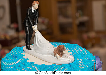 bride and groom on wedding cake - dekoratives und lustiges...
