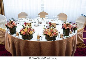 Bride and groom wedding table