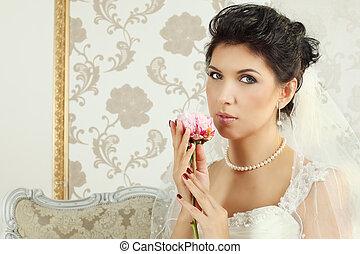 Bride - brunette woman, fashion portrait