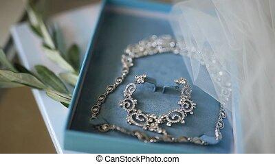 Bride Jewellery. Earrings, necklaces, rings, watches - Bride...