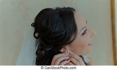 Bride wears wedding earring - Very beautiful bride wears...